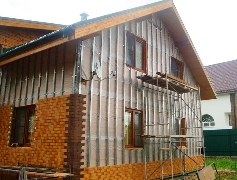 Дом отделанный фасадными панелями